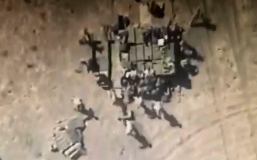 Kamikadze-dronlar düşmən texnikalarını məhv etdi - Video