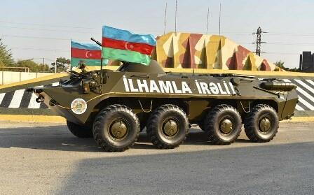 Nazirlik DSX-yə BTR-70M hədiyyə etdi - Foto