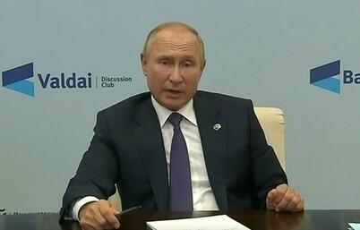 Putin: Pandemiya tədricən zəifləyir