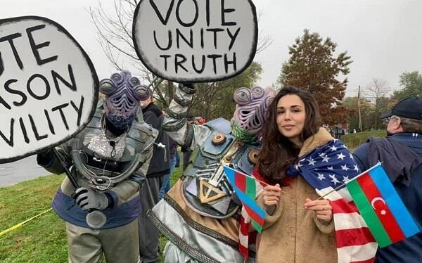 Trampın seçki kampaniyası: Gəncə terroruna etiraz edildi