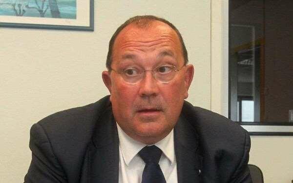 Армяне угрожают смертью французскому депутату