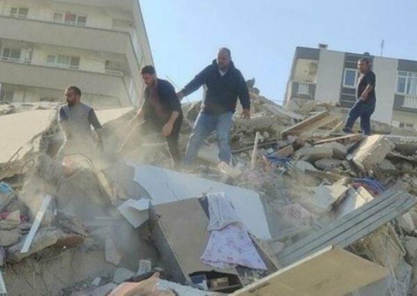 İzmirdə güclü zəlzələ: yaralananlar var - Foto