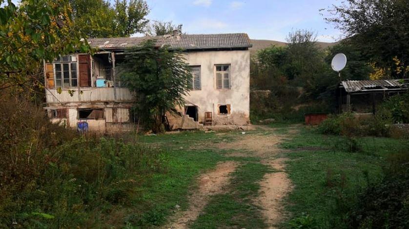 27 il sonra evindən şəkillər paylaşdı - Foto