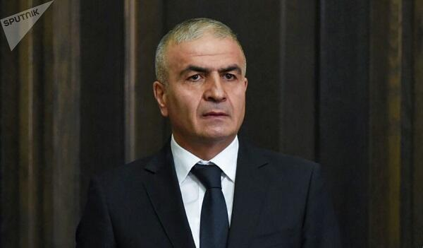 """Erməni qubernator getdi: ancaq """"Sünik"""" işarəsi verdi"""