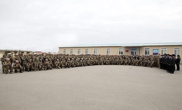 Azerbaijani marine infantry personnel return
