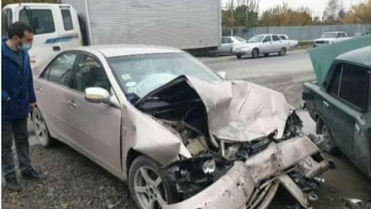 Qəza törədən avtomobil daha sonra piyadanı vurdu