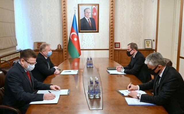 Ceyhun Bayramov Belarus səfiri ilə görüşdü
