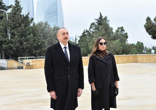 Prezident və xanımı Şəhidlər Xiyabanında - Foto/Video