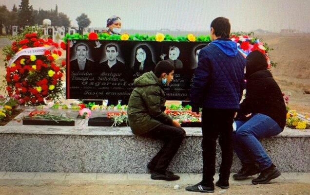Rovera paylaşdı: Bu qəbirləri ermənilər dağıdıb - Foto