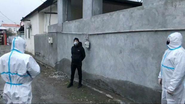 Evini tərk edən korona xəstəsi saxlanıldı - Foto