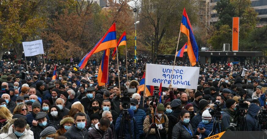 Protest against government continues in Armenia