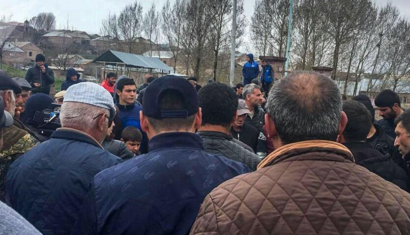 Nikol's secret visit created tension, protests -