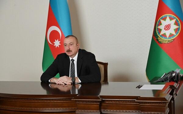 İlham Əliyev Putin və Minnixanova başsağlığı verdi