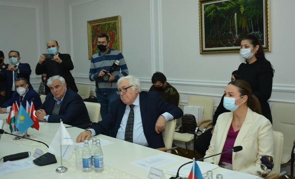 """Türk Mədəniyyəti Fondunda """"Qorqudnamə"""" - Foto"""