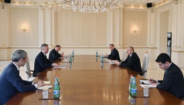 Prezident Fransa dövlət katibini qəbul etdi