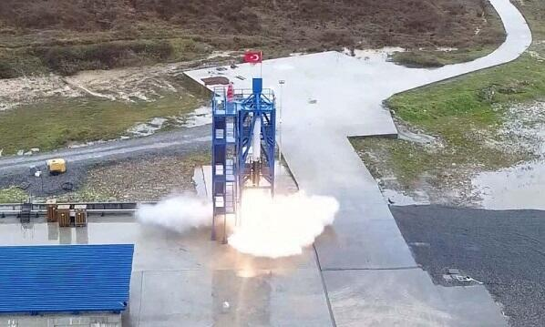Turkey tests rocket engine to send to moon