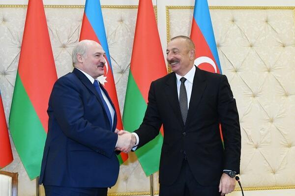 Bunu Azərbaycanla bölüşməyə hazırıq - Lukaşenko
