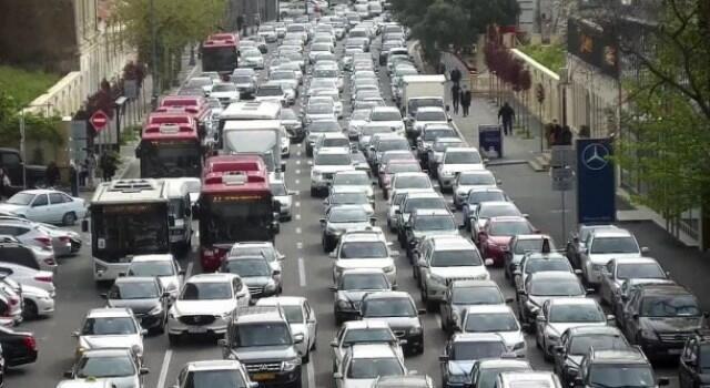 Paytaxt yollarında sıxlıq: 11 avtobus gecikir
