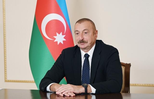 Ильхам Алиев поздравил народ в связи с Рамазаном