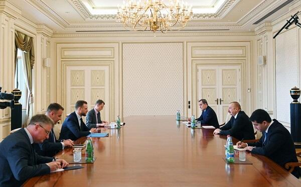 İlham Əliyev Litva XİN başçısı ilə görüşdü