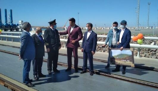 """""""Azərbaycan"""" gəmi-bərəsi Kurıkda belə qarşılandı - Foto"""