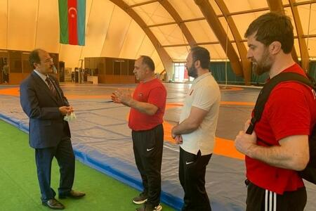 The ambassador met with the Turkish team in Baku -
