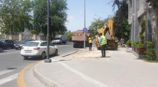 Nizami rayonunda piyada səkisi zəbt olunub - BNA