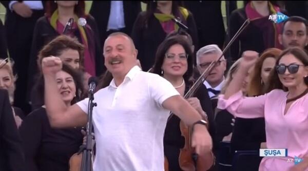 Prezident Şuşada məşhur şüarı səsləndirdi - Video