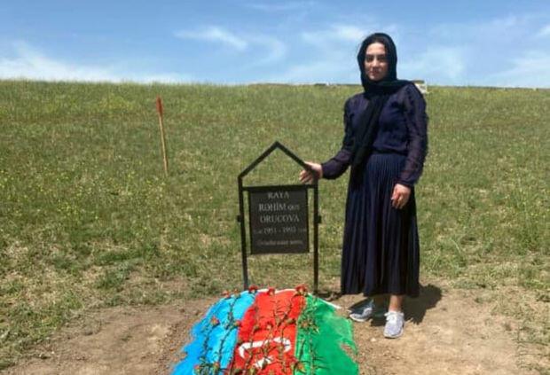 Raquf Orucovun anasının məzarı tapıldı - Foto