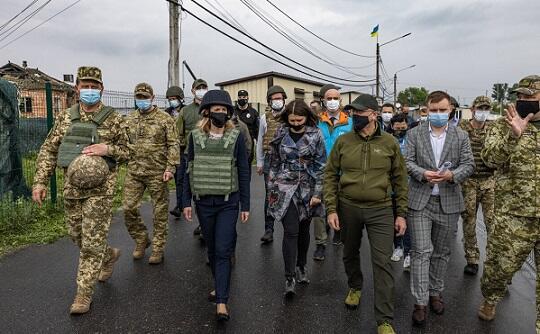 Estoniya baş naziri Donbasa getdi