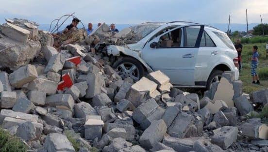 Bakıda avtomobil beton maneəyə çırpıldı