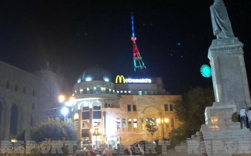 Tiflis qülləsi bayrağımızın rəngləri ilə işıqlandırıldı