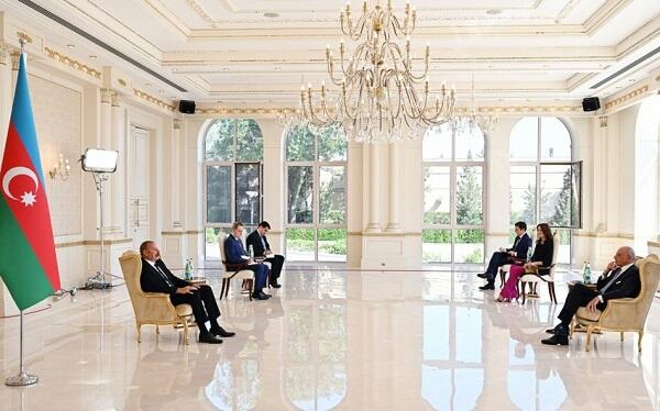 Ilham Aliyev received the Italian ambassador