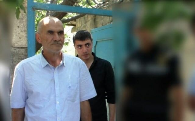 Həyətində narkotik becərən ata və oğlu saxlanıldı
