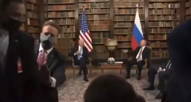 Biden-Putin meeting: Brawl between journalists -