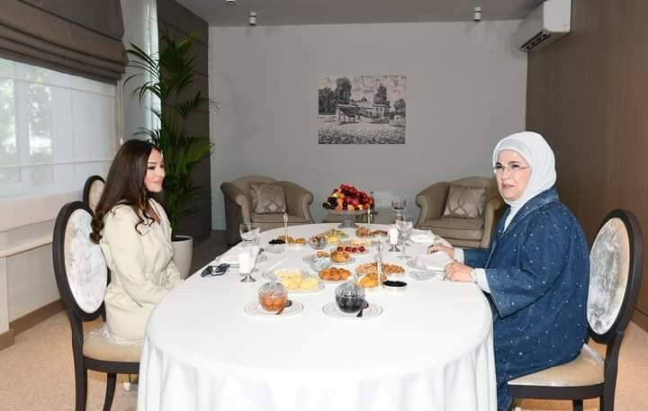 Emine Erdogan and Mehriban Aliyeva met -