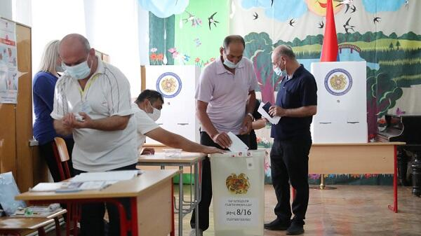 Shameful images in the elections in Armenia -