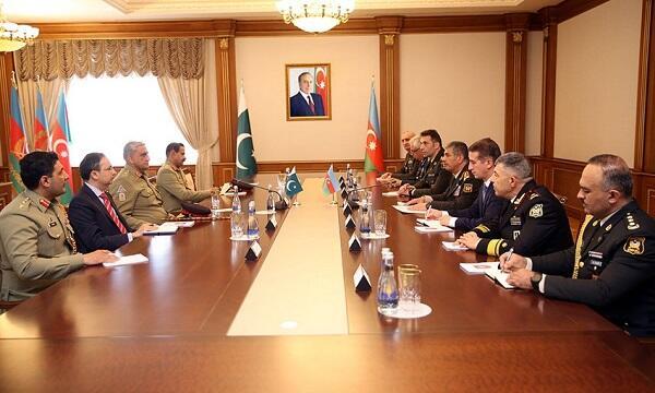 Zakir Həsənov pakistanlı generalla görüşdü