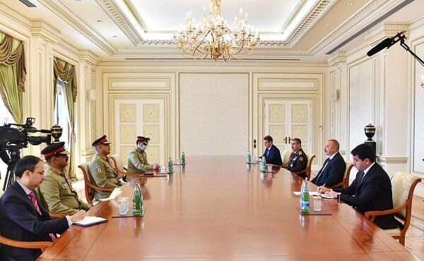 İlham Əliyev pakistanlı generalı qəbul etdi