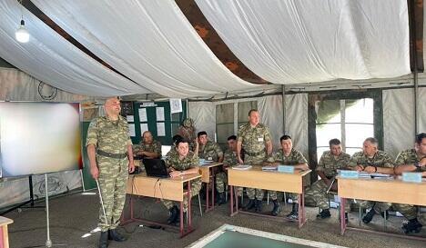 Ordumuzda komanda-qərargah təlimi keçirilir - Foto