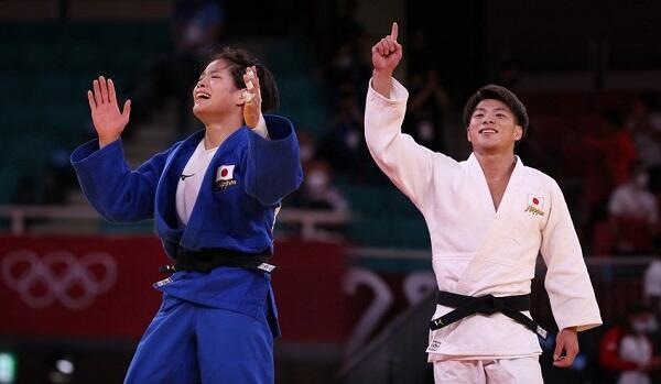 Yaponiyalı bacı-qardaş eyni gündə qızıl medal qazandı