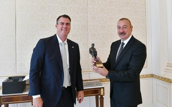 Aliyev received a delegation led by Governor of Oklahoma