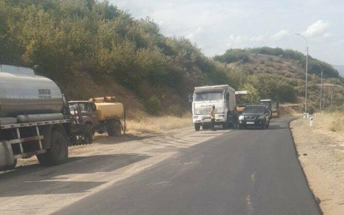 Ermənistan Laçın yolunu təmir edir - Foto