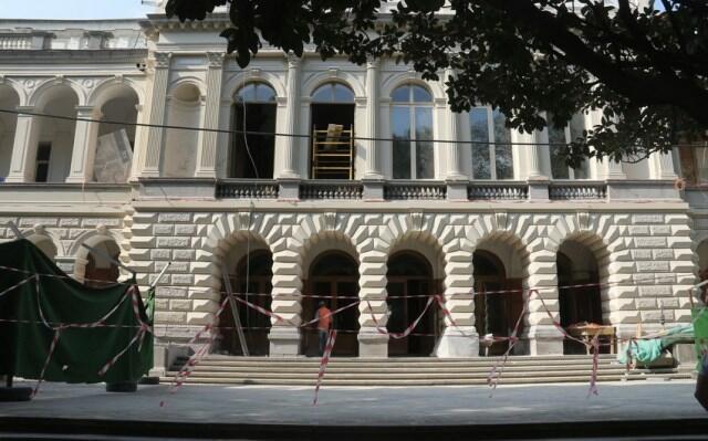 AXC-nin elan edildiyi bina bərpa olunur - Foto