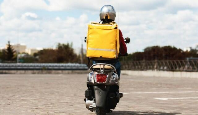Moped sürücülərindən vəsiqə tələb oluna bilər
