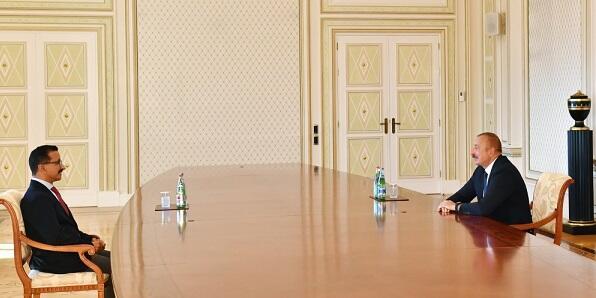 President Ilham Aliyev receives CEO of DP World