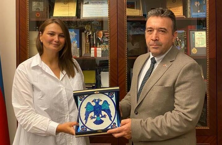 Məşhur türk hərbi eksperti Paşayeva ilə görüşdü