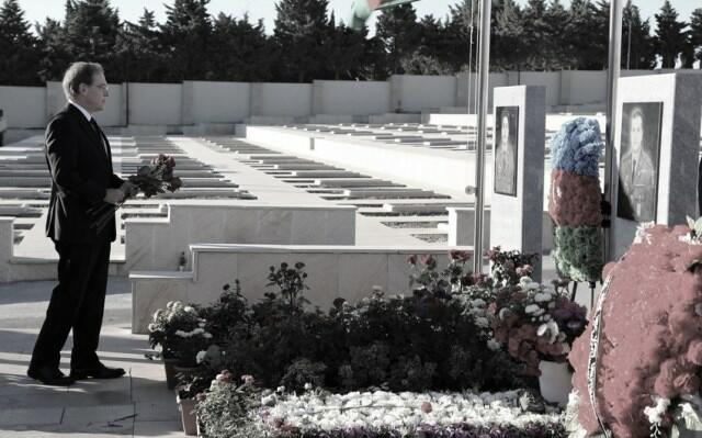 US Ambassador to Azerbaijan paid his respects to martyrs