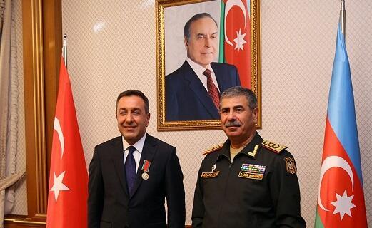 Zakir Hasanov awarded Mohsin Dere -