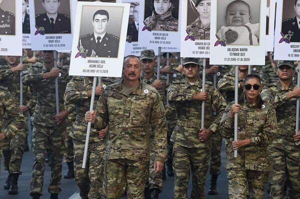 Прошел марш памяти шехидов с участием Президента - Фото